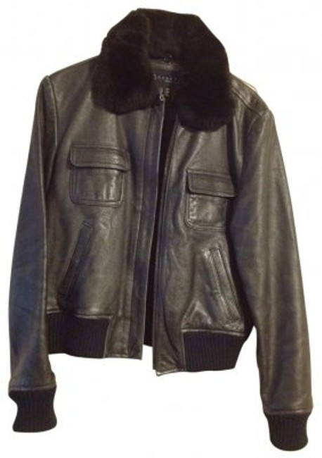 Preload https://img-static.tradesy.com/item/21848/kenneth-cole-black-with-fur-collar-leather-jacket-size-8-m-0-0-650-650.jpg