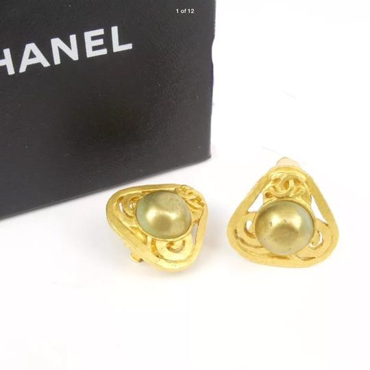 Chanel (SALE)Chanel Vintage Faux Pearl Earring 24k Gold Plated (RARE) Image 10