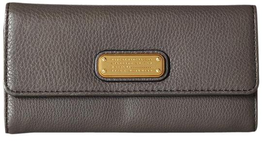 Preload https://img-static.tradesy.com/item/21850804/marc-by-marc-jacobs-faded-aluminum-new-q-long-trifold-leather-wallet-0-1-540-540.jpg