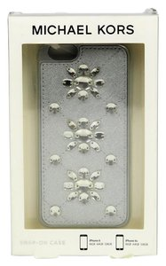 Michael Kors Michael Kors Snap-On Silver iPhone 6/6s Case M303-113 B420