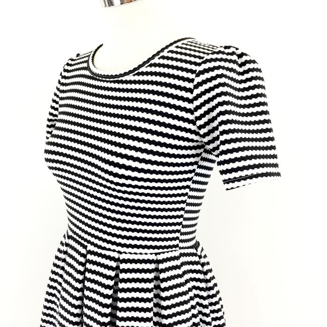 LuLaRoe short dress black white Striped Fit & Flare Pleated Amelia on Tradesy Image 4