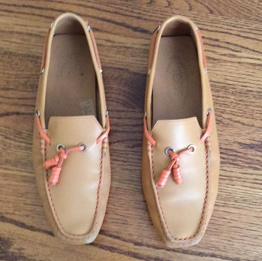 Tod's Beige and Orange Flats Image 2