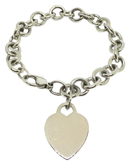 Preload https://img-static.tradesy.com/item/21852673/tiffany-and-co-heart-tag-bracelet-0-1-540-540.jpg