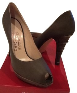Salvatore Ferragamo Olive Pumps