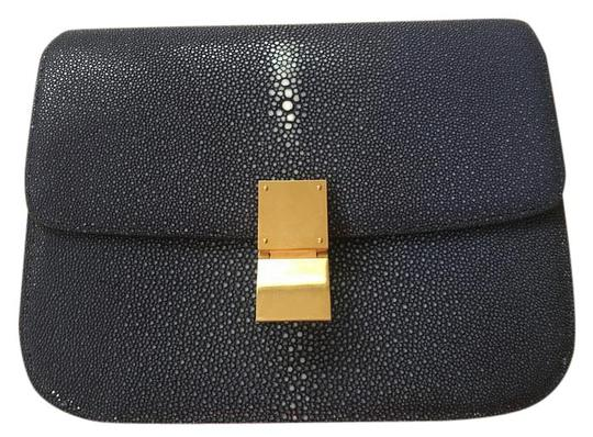 Preload https://img-static.tradesy.com/item/21855121/celine-classic-box-medium-exotics-navy-stingray-shoulder-bag-0-1-540-540.jpg