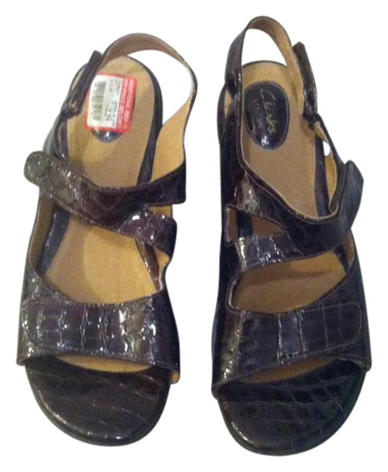 89597a7021b Clarks Artisan Womens Size 12 Wedge Comfort dark red patent leather Sandals  Image 0 ...