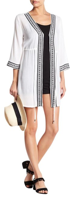 Item - White Black Embroidered Mid-length Short Casual Dress Size 12 (L)