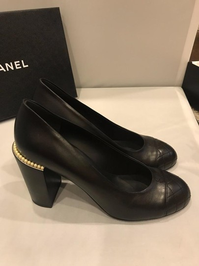 Chanel Cap Toe Leather Pearl Heel Black Pumps Image 2