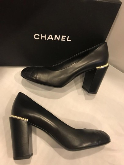 Chanel Cap Toe Leather Pearl Heel Black Pumps Image 3