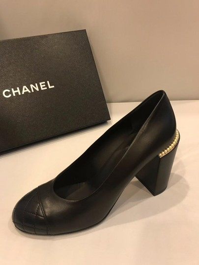 Chanel Cap Toe Leather Pearl Heel Black Pumps Image 7