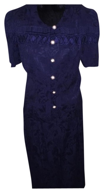 Preload https://img-static.tradesy.com/item/21857703/navy-lace-trim-and-faux-pearl-buttons-skirt-suit-size-12-l-0-1-650-650.jpg
