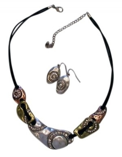 Preload https://item1.tradesy.com/images/icon-multicolor-hammered-metal-with-rhinestones-look-necklace-21860-0-0.jpg?width=440&height=440