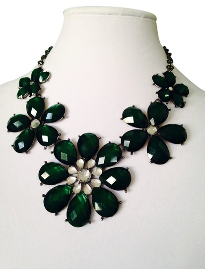 Other 2-Piece Set, Faceted Hunter Green Crystal Flower Necklace & Earrings