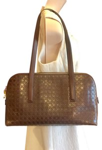 Salvatore Ferragamo Hobo Bags - Up to 90% off at Tradesy (Page 2) d3f361697c4d1