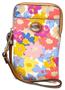 Coach Coach Peyton Floral Universal Cell Phone, Camera Ipod, Mp3 Case wristlet 69762