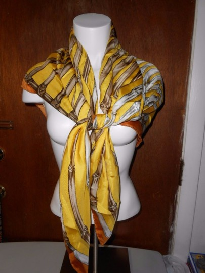 Gucci Gucci Bamboo Silk Scarf Yellow Colorway Large 42 Inches Square Image 2