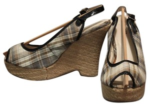 Classified Plaid Wedges