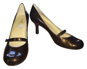 Preview International Patent Brown Pumps