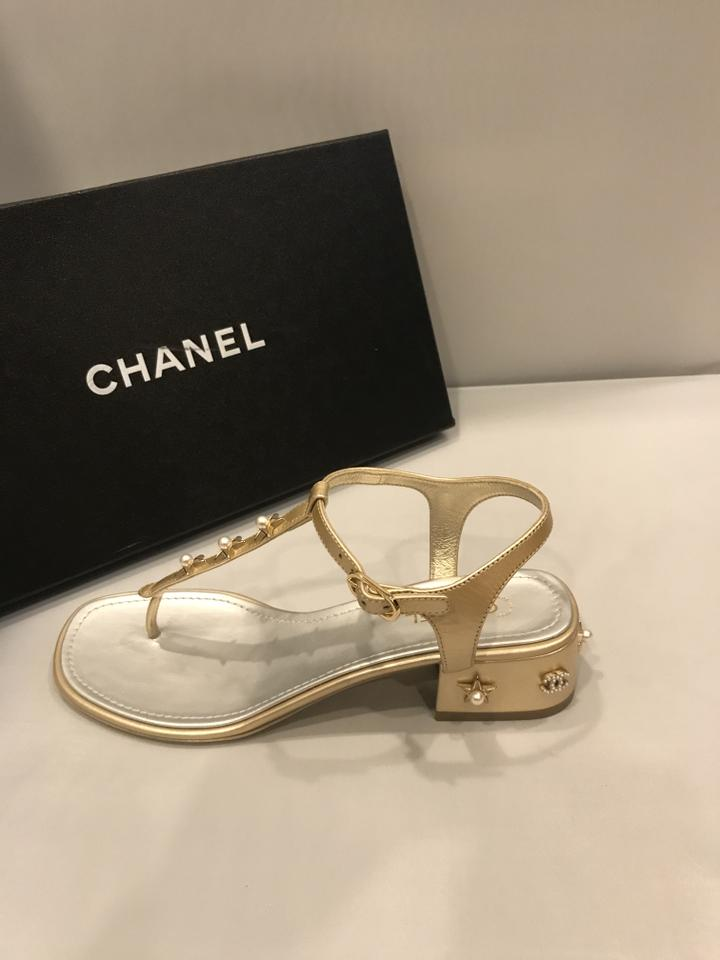 cea4867ea00 Chanel Block Heel Jewel Pearl Thong T Strap Gold Sandals Image 9.  12345678910