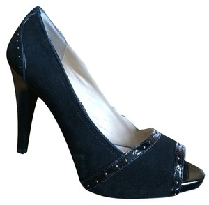 Ellen Tracy Black Pumps