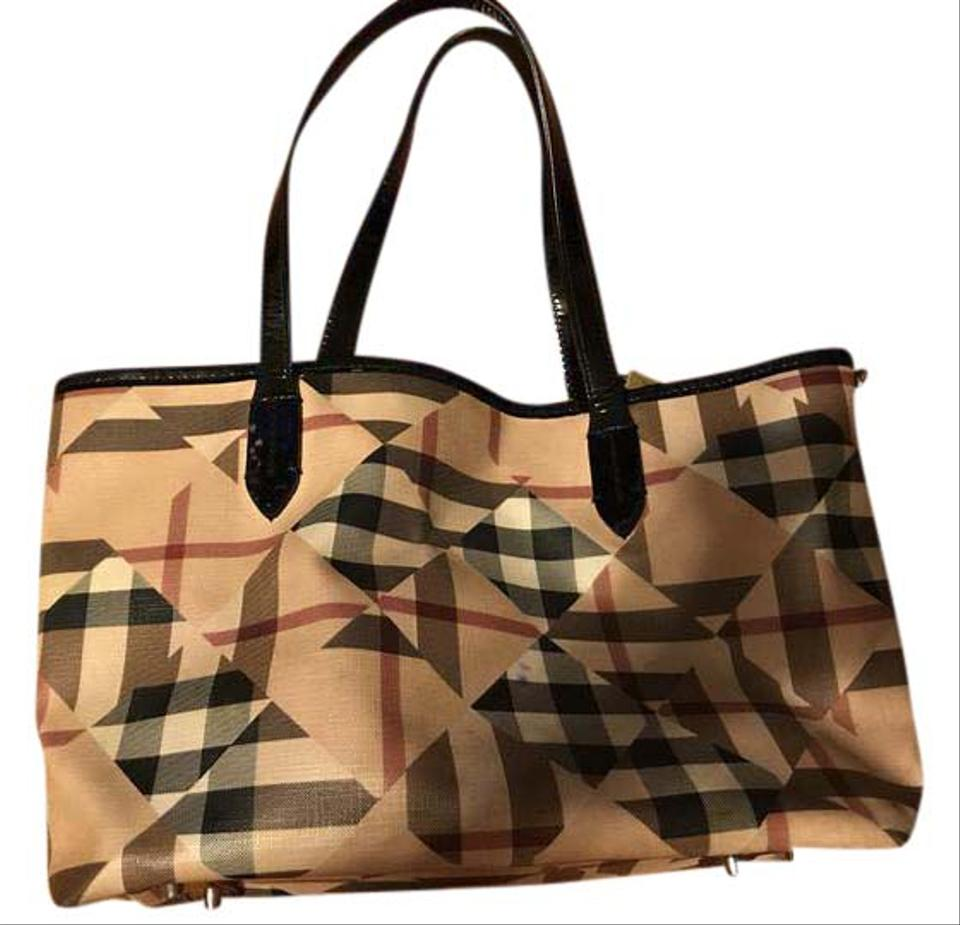 Burberry Leather Patent Leather Shoulder Bag ... 369293c6e3