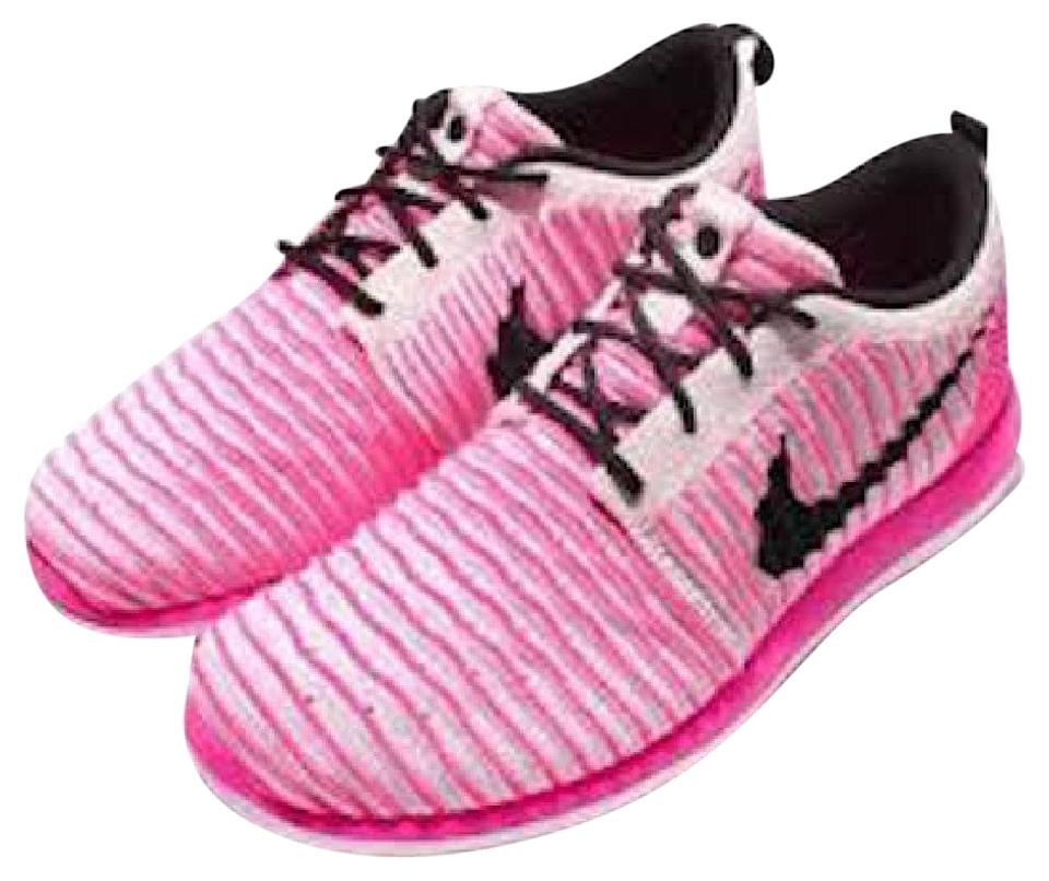 hot sale online bcc51 67631 Nike Pink Women's Roshe Two Flyknit Sneakers Size US 7 Regular (M, B) 47%  off retail