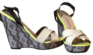 Sam & Libby And Print Cute Summer Ankle Strap Black White Neon Yellow Wedges