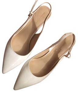 Marc Fisher white Pumps