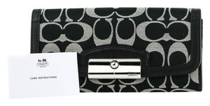 Coach *Coach Signature Canvas and Leather Trim Saffiano Black Magnetic Lock
