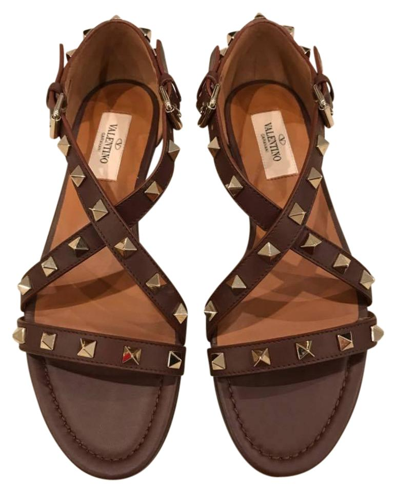 155c3e4cbf8b Valentino Brown Rockstud Leather Stud Criss Cross Strap Flat Sandals. Size   EU 36.5 ...