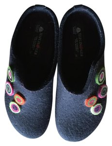 Haflinger Comfortable Warm Great Arch Support Cute deep plum Mules