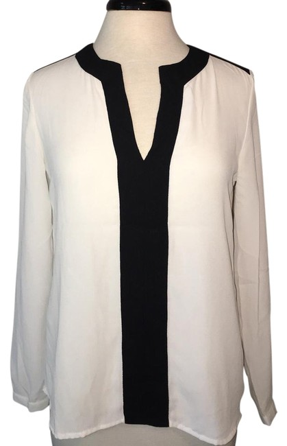 Preload https://img-static.tradesy.com/item/21879754/mango-ivory-with-black-small-by-blouse-size-6-s-0-1-650-650.jpg