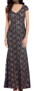 Adrianna Papell Navy Blue Beaded Lace Short Sleeved V-neck Long Gown Navy/Nude Formal Bridesmaid/Mob Dress Size 10 (M)