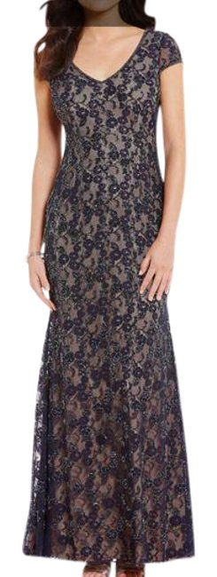 Item - Navy Blue Beaded Lace Short Sleeved V-neck Long Gown Navy/Nude Formal Bridesmaid/Mob Dress Size 10 (M)