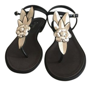 0bccdef8fed5 Chanel Camellia Sandals - Up to 70% off at Tradesy (Page 9)