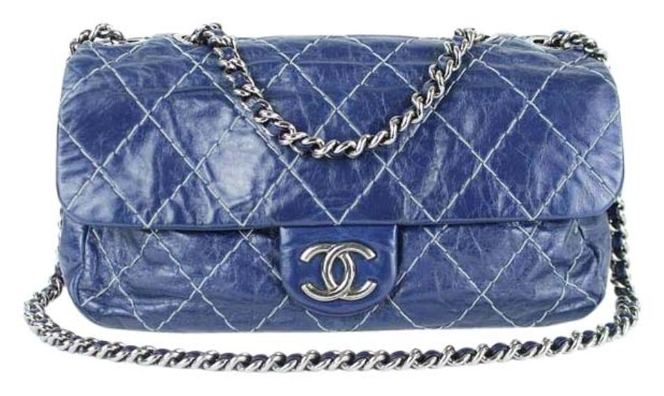 44a059a9090 Chanel Quilted Black Classic Flap Medium Flap Reissue Flap Two-tone  Shoulder Bag ...