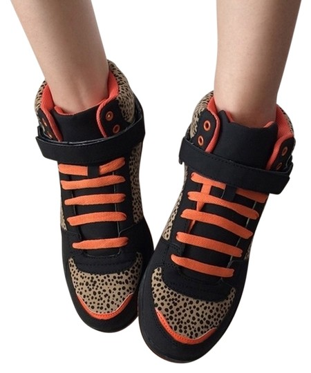 Preload https://img-static.tradesy.com/item/2188658/urban-outfitters-leopard-high-top-sneakers-size-us-9-0-0-540-540.jpg