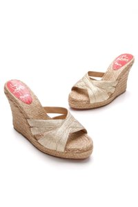 Christian Louboutin Espadrilles Gold Wedges
