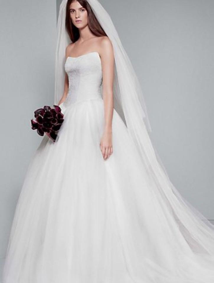 White by vera wang chantilly lace ball gown wedding dress for Vera wang wedding dresses sale