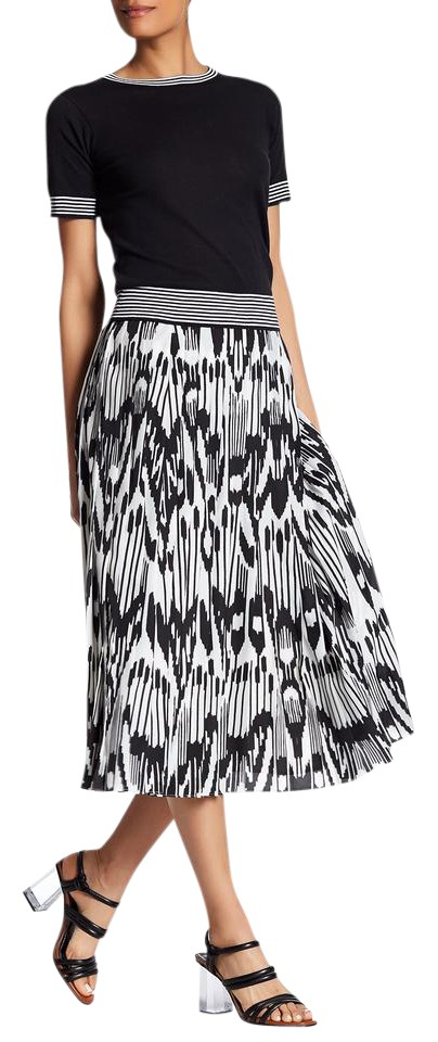 b038290c73c8 Lands' End Black & White Printed Pleated Midi Skirt Size 14 (L, 34 ...
