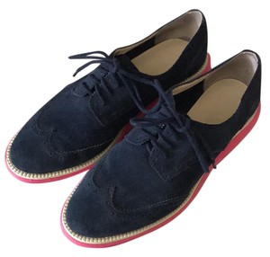 Boutique 9 Navy with hot pink soles Flats