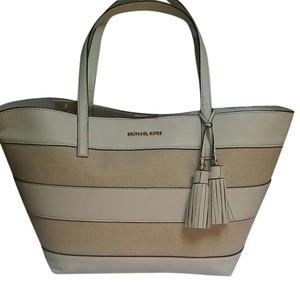 49da9d1648f846 Michael Kors Totes - Up to 70% off at Tradesy (Page 4)