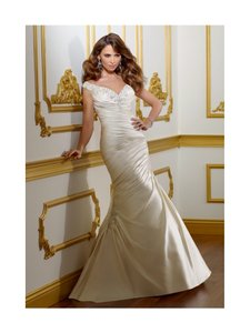 Mori Lee Ivory Satin 1805 Modern Wedding Dress Size 10 (M)