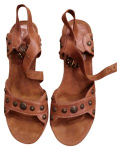 Aerosoles Comfy Chic Studded Leather Soft Tan Sandals