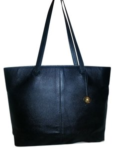 Chanel Caviar Large Classic Tote in black