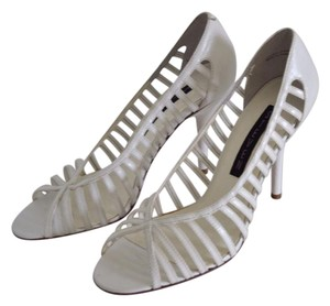 Steven by Steve Madden white Pumps