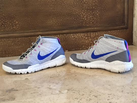 best loved d56fa e6d91 ... flyknit trainer chukka fsb conquers the spring summer style with the wolf  grey white fuchsia flash lyon blue colorway. 32d5c 4c3a1  inexpensive nike  men ...