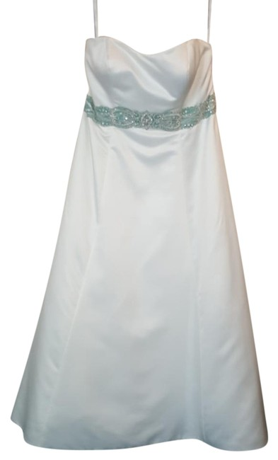 Item - Ivory/ Jade Satin 2024w Traditional Wedding Dress Size 20 (Plus 1x)