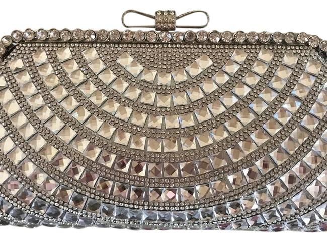 Item - Crystal Silver Synthetic Clutch