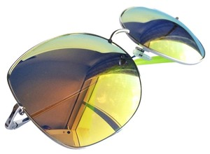 Matthew Williamson *Right,Lens,Will,Most,Likely,Pop,Out*,Matthew,Williamson,Large,Mirrored,Sunglasses,